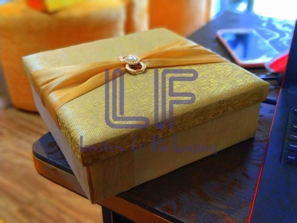 square brocade mdf box